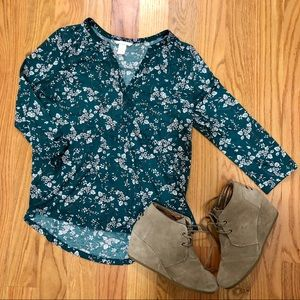 FREE W BUNDLE ✨H&M green floral button up shirt